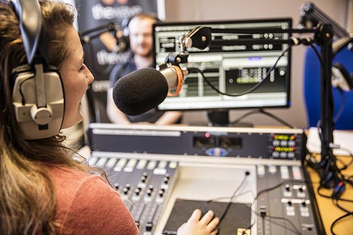 Dun Laoghaire Further Education Institute - Journalism for New Media, TV & Radio: - 1